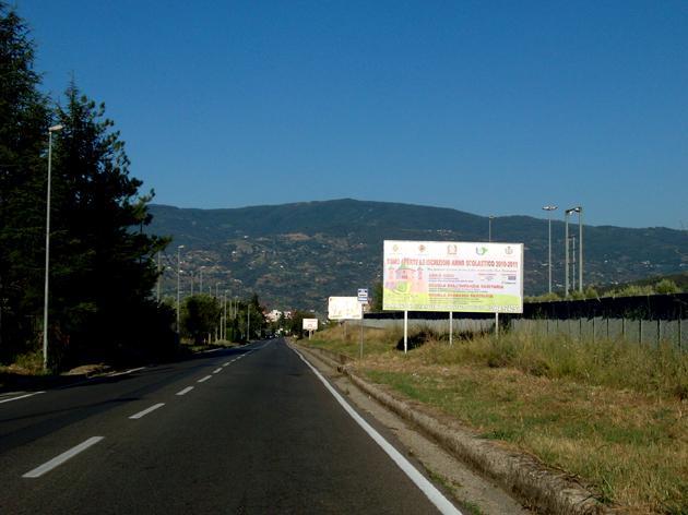 http://www.postermap.it/wp-content/uploads/2015/07/Cimasa-18-Via-Pianette-Dir.Taverna.jpg