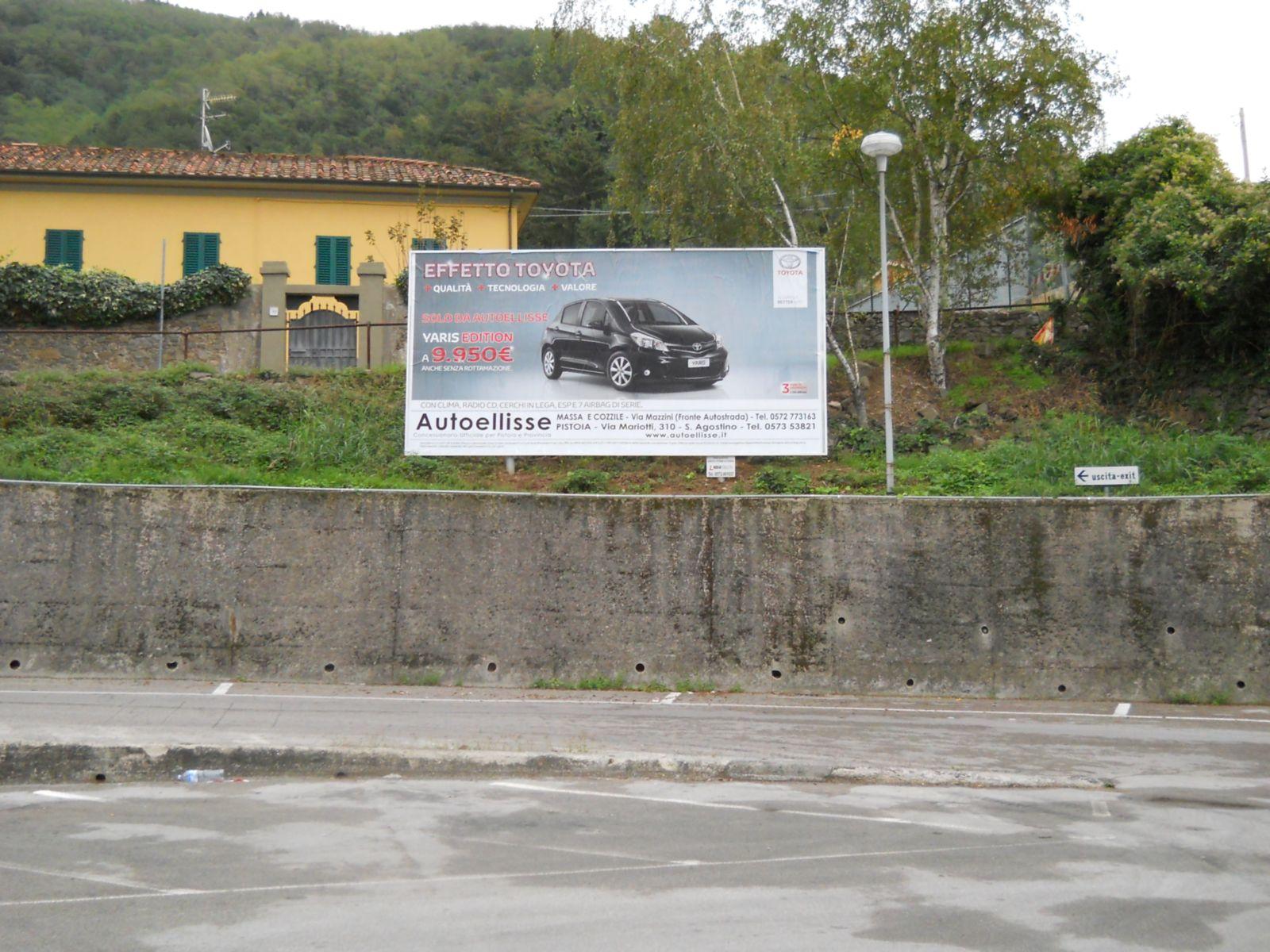 http://www.postermap.it/wp-content/uploads/2015/09/autoellisse-toyota.jpg