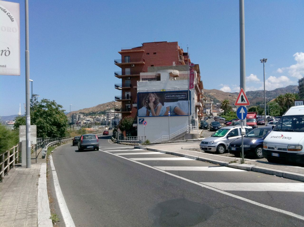 http://www.postermap.it/wp-content/uploads/2015/11/574-Reggio-Calabria-Via-Argine-Dx-Annunziata.jpg