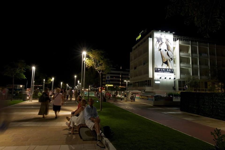 http://www.postermap.it/wp-content/uploads/2015/11/promenade.jpg