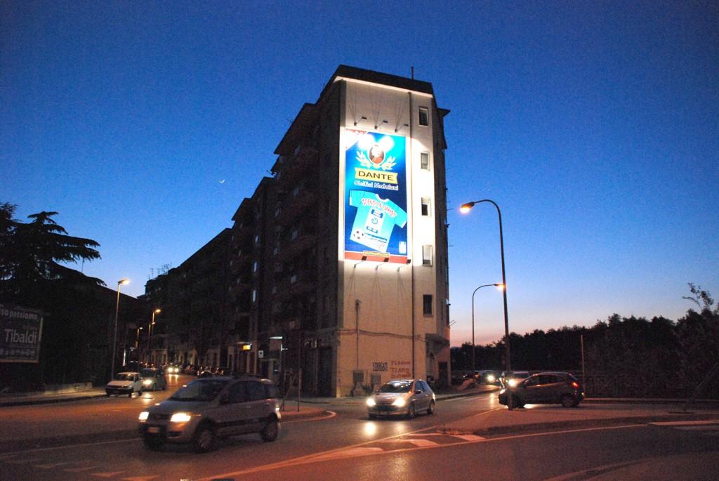 Maxi Affissione 4,50x9 monofacciale illuminata