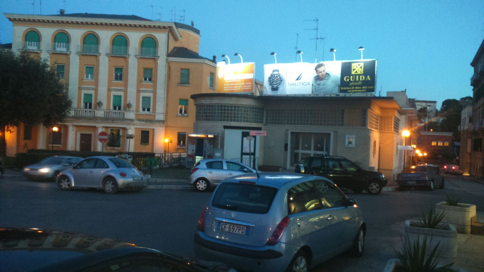 http://www.postermap.it/wp-content/uploads/2015/12/pannello-luminoso-340x200-pubblicita-outdoor-Matera-piazza-Matteooti.jpg