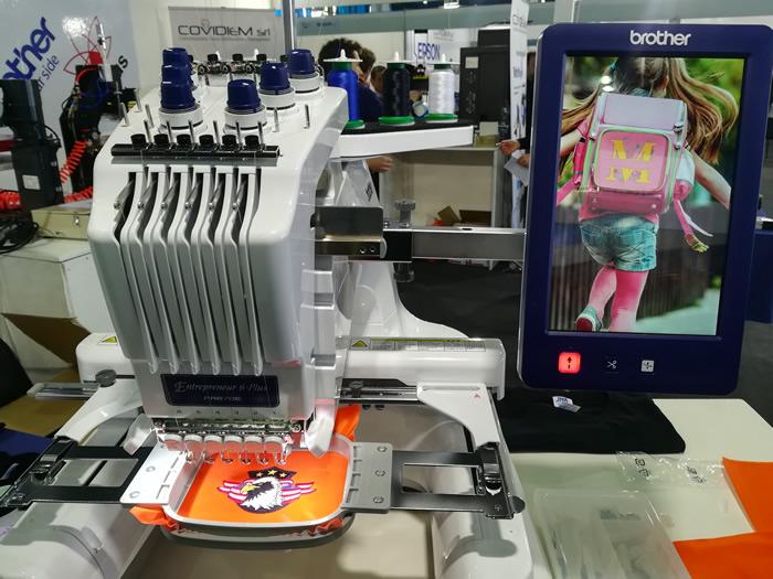 abbigliamento promozionale a Comunikart fiera comunicazione