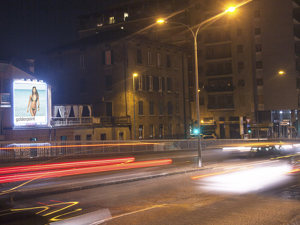 VIA SAFFI 4,5X4,5 ILLUMINATO PVC CORNICE A LED